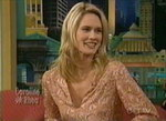 Stephanie March dans le Caroline Rhea Show